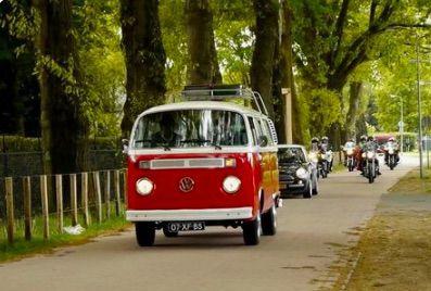 Het Volkswagenbusje. Ook voor rouwvervoer.